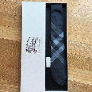 NWT Burberry tie